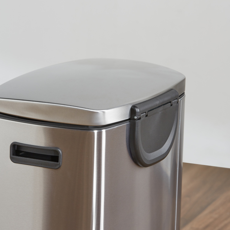Blair Portable Bin with Pedal and Lid