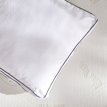 Anti Stress Chequered Pillow - 46x71 cms