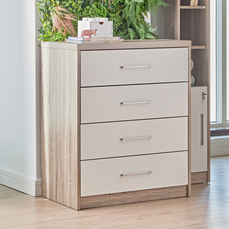 Bradley's 4-Drawer Chest