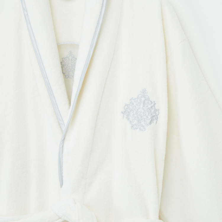 Skamri Embroidered Bathrobe with Tie Up Belt - Large