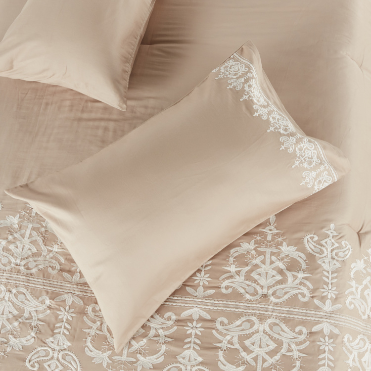Valencia Embroidered 3-Piece Queen Comforter Set - 200x240 cms