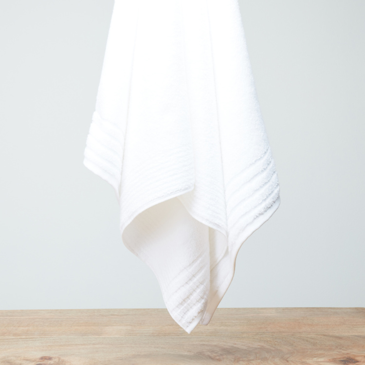 Plush Textured Bath Towel - 70x140 cms