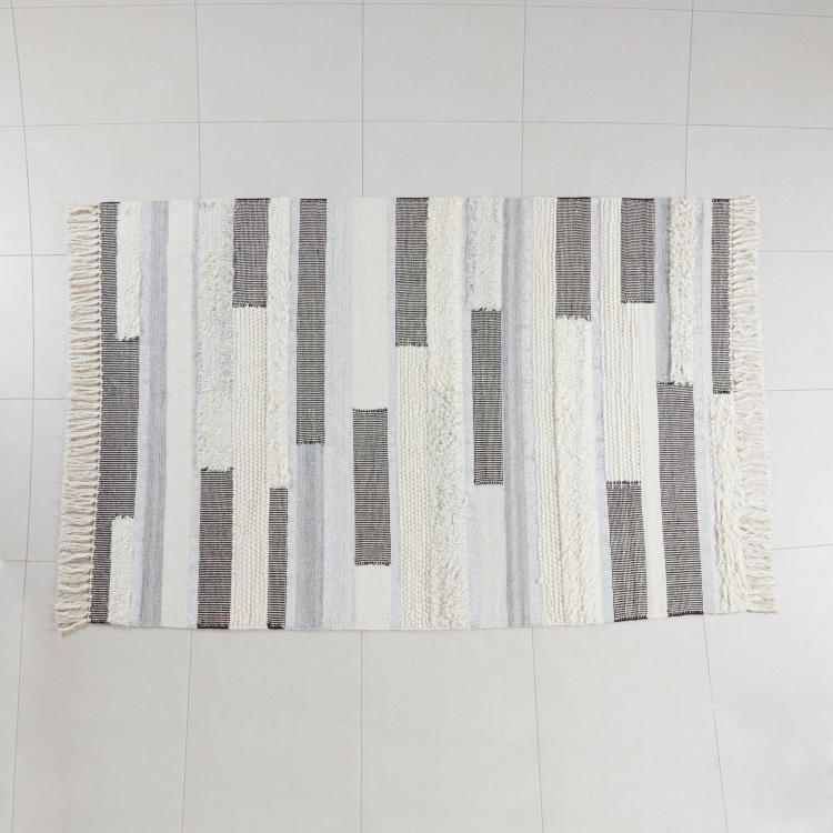 Maleto Rectangular Rug with Fringes - 160x230 cms